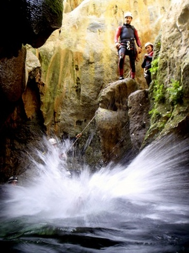 Canyoning Benahavis, Canyoining in marbella, Sima del Diablo Canyoning, Rio Verde Canyoning, Canyoning in Spain on the Costa del Sol