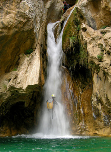 Sima Del Diablo, Canyoning in Marbella, Climbing, Waterfalls, Canyoning in Sima Del Diablo on the Costa del Sol, Spain with Escape 2 Marbella